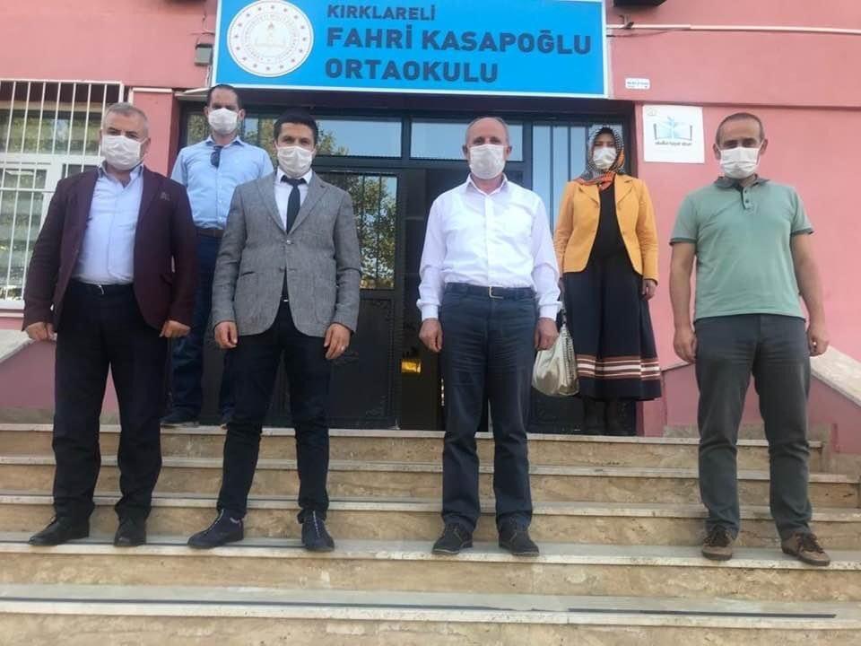 Fahri Kasapoğlu Ortaokuluna müdür olarak atana yönetim kurulu üyemiz Fatih Keskine hayırlı olsun ziyaretinde bulunduk.