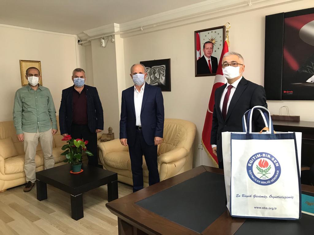 İlimiz Aile ve Sosyal Politikalar İl Müdürlüğüne atanan Faruk Uysal Beye  hayırlı olsun ziyaretinde bulunduk.Kendilerine destek ve başarı dileklerimizi ilettik.